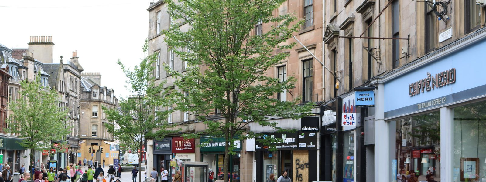 Stirling is a regional shopping destination with over 500 vibrant city centre businesses