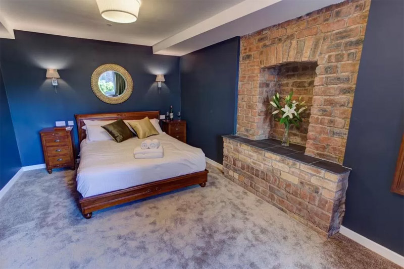Friars Wynd hotel double bedroom