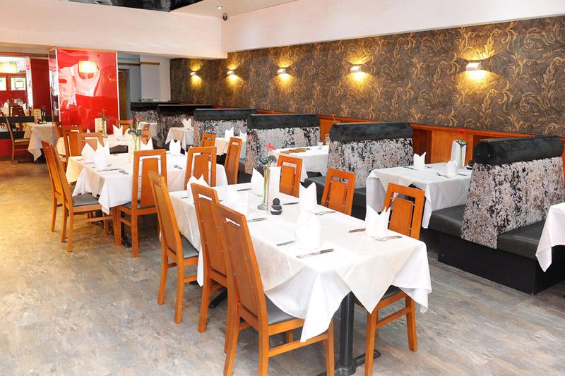 inside seating area of ranas stirling restaurant